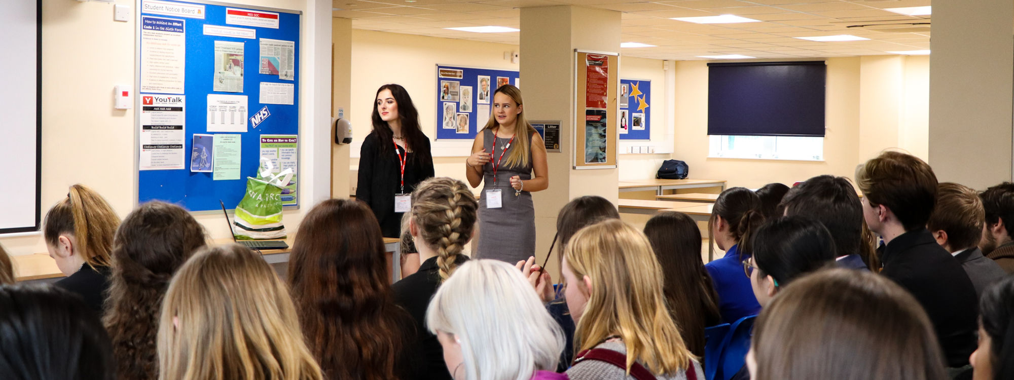 Old Floydians Melissa and Brooke joined us today from@AshurstLLP to give us an insightful explanation of the apprenticeship application process and life as an apprentice